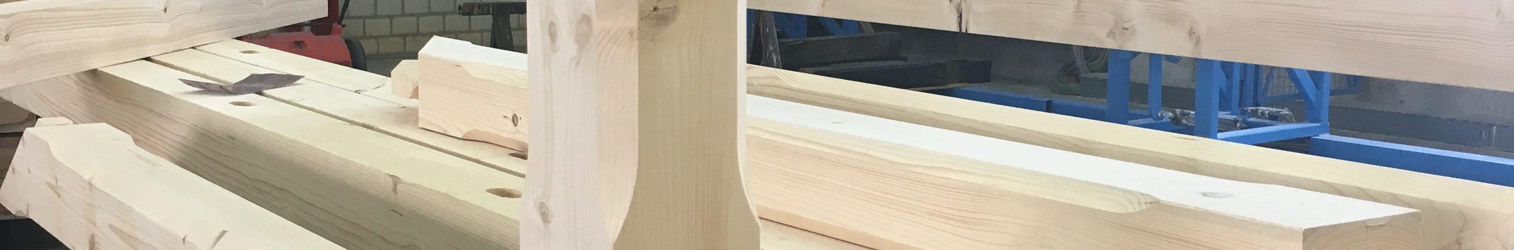 Dachstuhl - montagefertige Hölzer